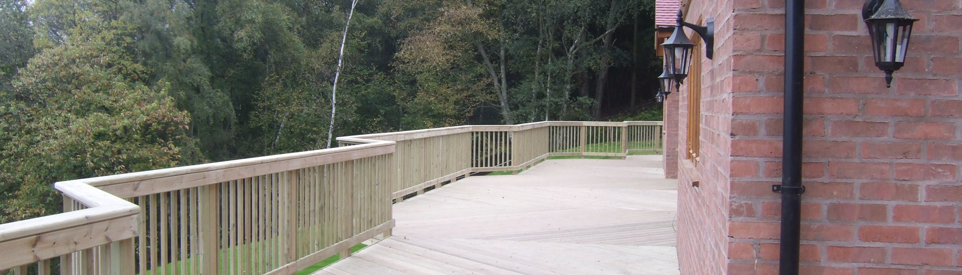Decking Installation Guarantee | Deckbuilders
